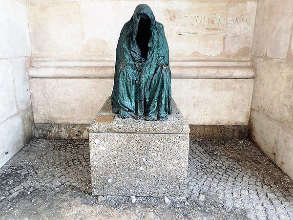 Die Pieta am Dom zu Salzburg