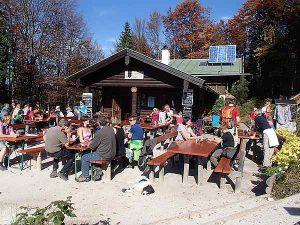 Grünstein, Hütte