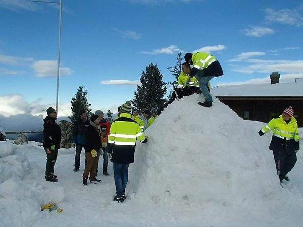 Iglu bauen, Teamevent, Outdoortraining