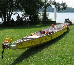 Drachenboote fahren