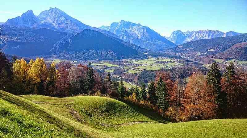 Obersalzberg mit Bunker, Bomben und Spione