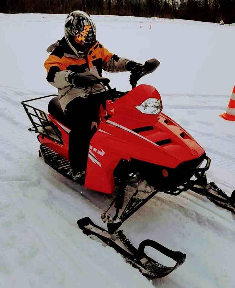 Incentives mit Motorschlitten oder Schneemobil fahren